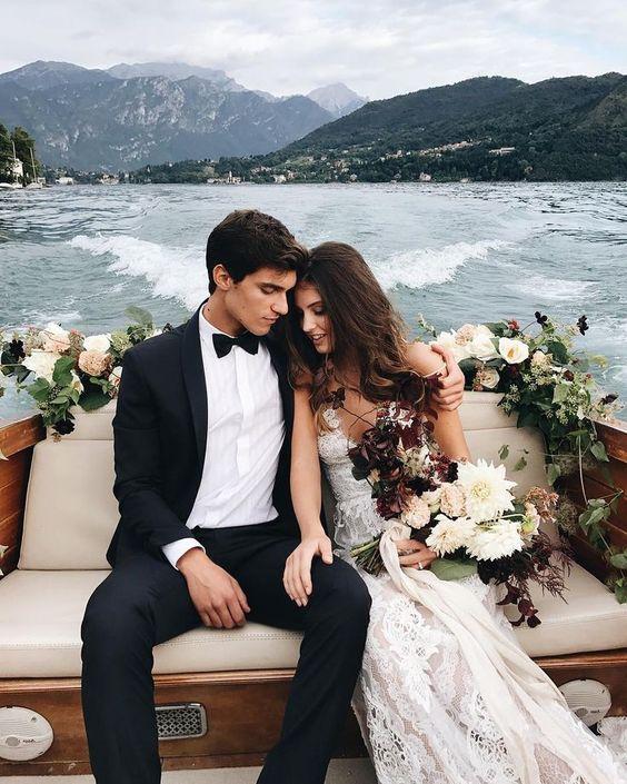Just stunning!😍💓 Beautifully captured by @katiegrantphoto 📸 Planning @centoroseuntulipano_weddings 💓 Gown @galialahav 💓