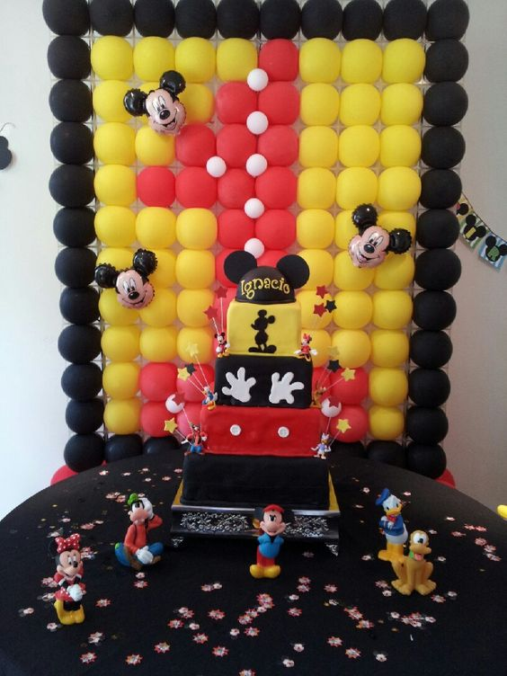 Mickey mouse the o 39 jays and mice on pinterest - Bizcochos para cumpleanos ...