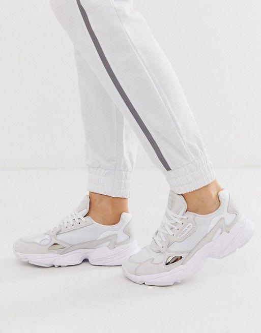 Zapatillas en triple blanco Falcon de adidas Originals