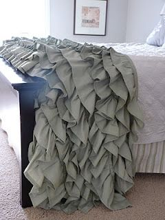 DIY Ruffled Throw. Just what I was looking for!