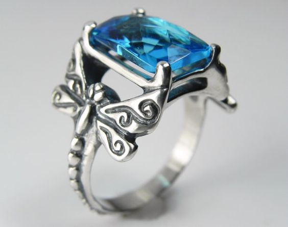 Hey, I found this really awesome Etsy listing at https://www.etsy.com/listing/154571198/dragonfly-ring-gemstone-dragonfly-ring