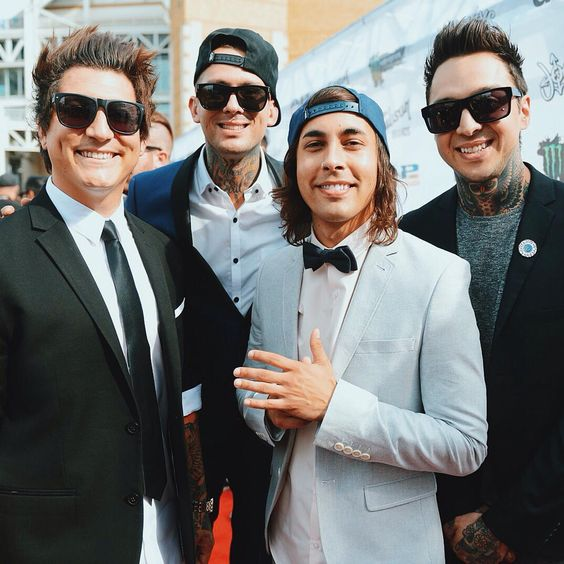 Jaime Preciado,  Mike Fuentes,  Vic Fuentes,  and Tony Perry of Pierce The Veil
