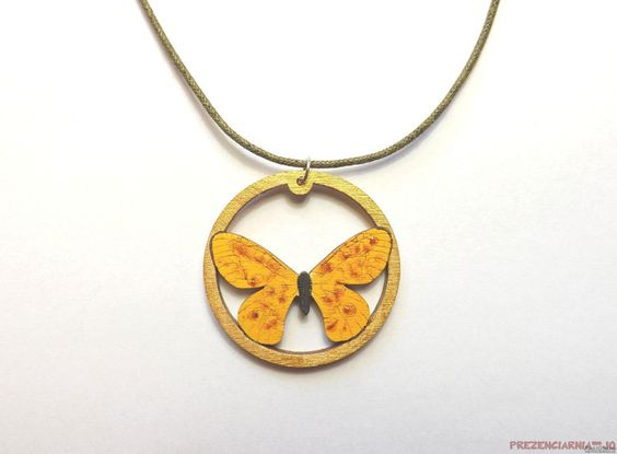 Colgante+/+collar+-+Mariposa,+amarilla+de+Prezenciarnia-jo+por+DaWanda.com
