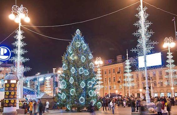 Http Www Birikina Hr Uploads Images Putovanja Trtg 201 Jpg Zagreb Christmas Tale Christmas Market