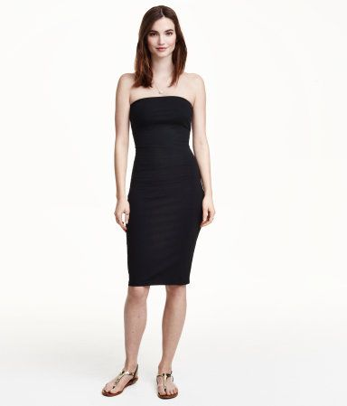 H&ampM Tube Dress $12.99 DESCRIPTION Knee-length fitted strapless ...