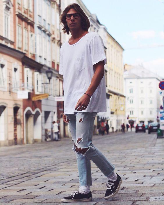 白Tシャツコーディネート