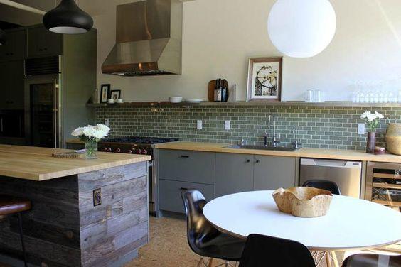 Cuisine meubles bas gris mat plan de travail bois et - Cuisine grise et bois ...