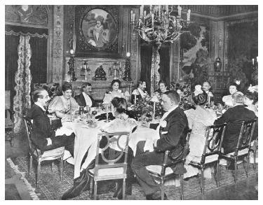 A private dinner at Delmonico's Forty-fourth Street restaurant in 1898. © BETTMAN/CORBIS.