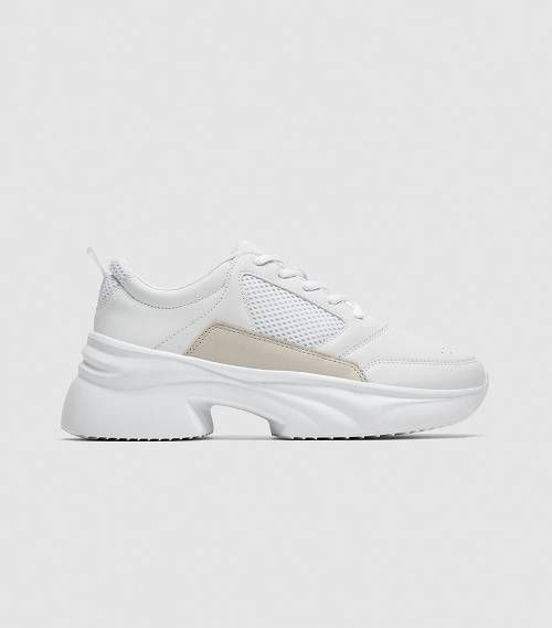 The Zara Shoes I M Losing It Over Sneakers Shoes Zara Sneakers