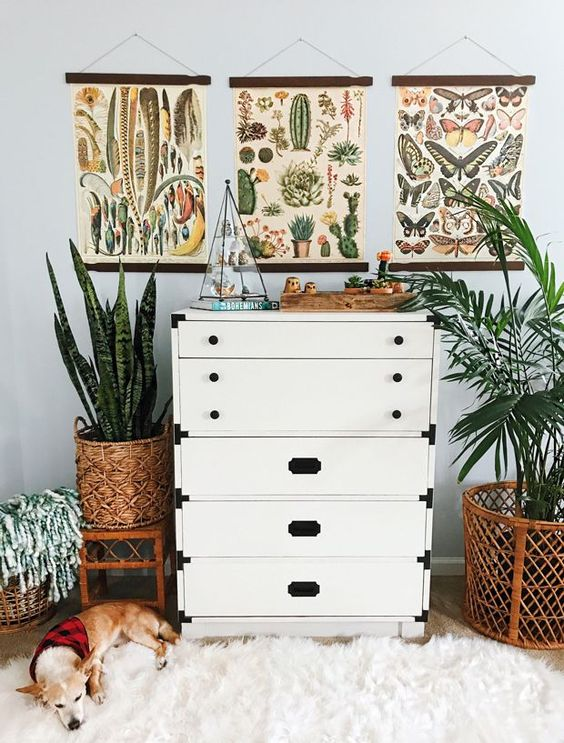 Spencer Monk is a lover of all things plants, pattern, (and for the twist) pups. Her fur babies, Kelso and Scout, have an affinity for her cozy boho sensibilities. They even often burrow themselves under plush pillows.  An army bride, Spencer was nostranger to the nomadic–bohemian life, the place she called home often changed. …