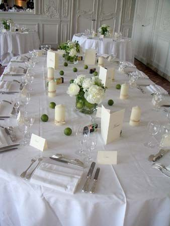 Id es de d coration de mariage vert blanc table for Decoration table mariage