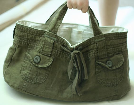 Tutorial on how to make a tote bag from a pair of shorts.