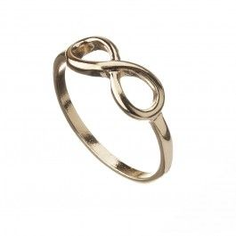 Simple & sweet, this ring is a classic which you will be able to wear for years to come.