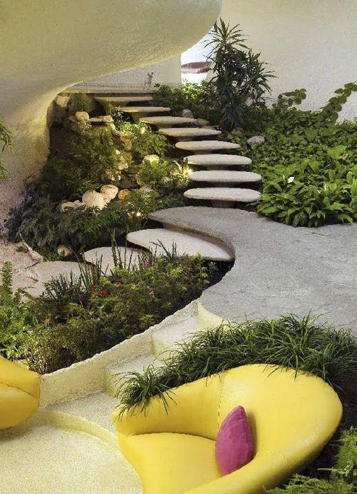 Space age modern image javier senosiain for Indoor botanical gardens