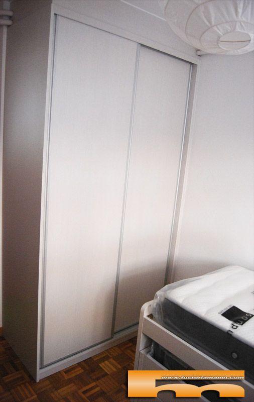 Armario a medida y cama compacta escritorio estanter a for Medidas cama compacta