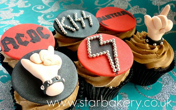 Heavy Metal cupcakes! My boyfriend would love this lol