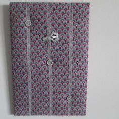 Porte barrettes décor jajonisant mauve, violet, fuchsia turqoise et gris, à poser ou à accrocher noël