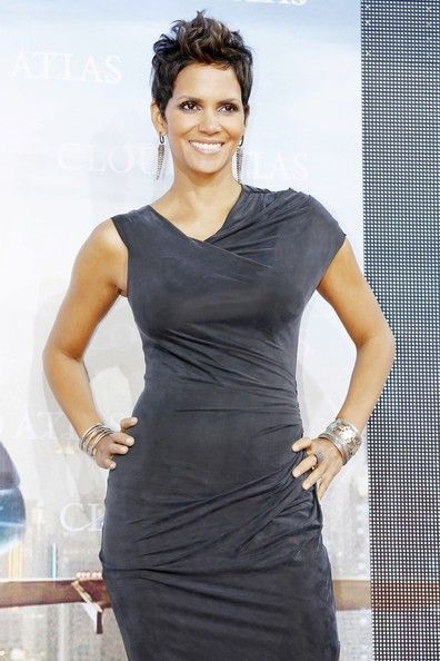 "Halle Berry Photo - Tom Hanks at the ""Cloud Atlas"" red carpet premiere in Berlin"