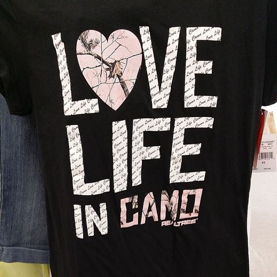 inegra:  Im in love this shirt is soo mine matches my hoodie! #camo #realtree