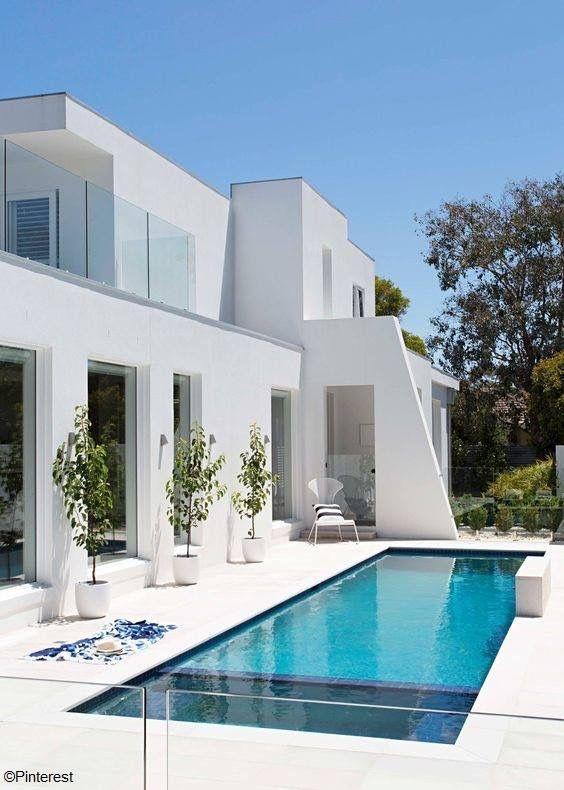 Pin By Vanessa Dorta On Luxury Villa Beautyful Villa Modern House Plans House Designs Exterior Modern House Design