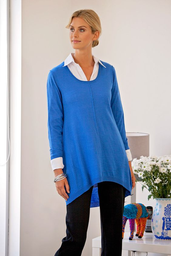 BIRD KEEPERS - The Pullover Tunic Colour of tope is right but more 2/4 liens: