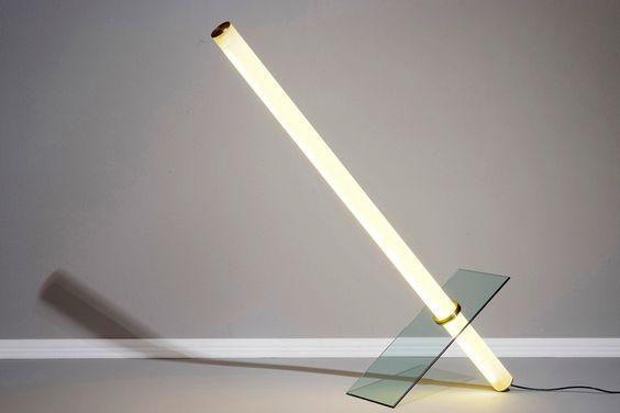 Naama Hofman. Ideia para luminária com tubo led de 60cm, Tem de ser um tubo com Beam Angle de 300º