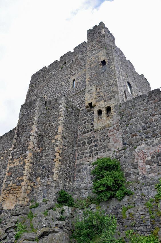 ڿڰۣ  Carrickfergus Castle, Carrickfergus, Co. Antrim, on Belfast Lough, Ireland.