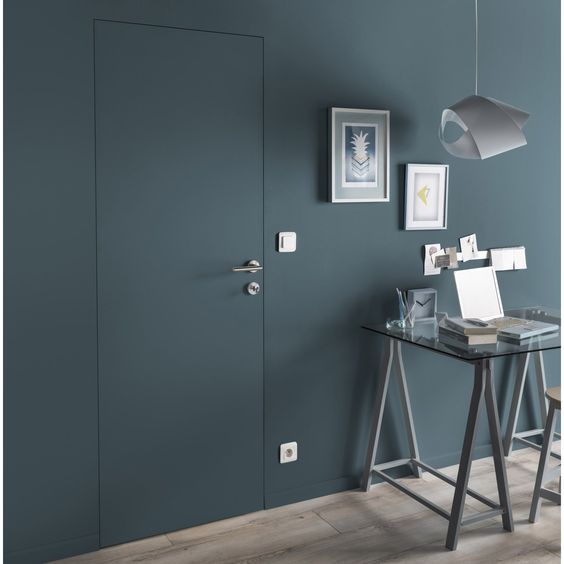 Dimension de la porte (en cm):204 x 83  // porte intérieure invisible                                                                                                                                                                                                                   Dimension de la porte + huisserie (en cm):207 x 90.5              ...