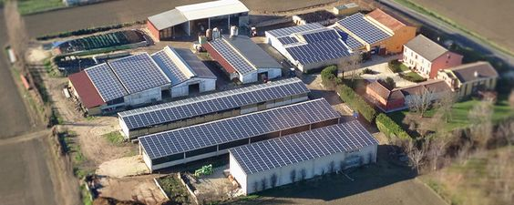 Hệ Thống Điện Năng Lượng Mặt Trời Nhà Máy Công Nghiệp – Industrial & Utility Scale