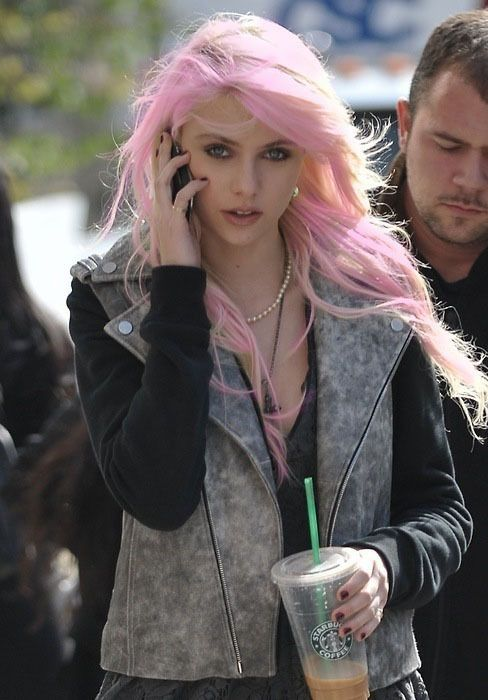 How to wear pink hair style pinterest pink hair taylor how to wear pink hair style pinterest pink hair taylor momsen and hair coloring pmusecretfo Choice Image