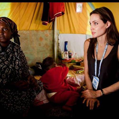 Angelina Jolie : Un nouveau tatouage mystérieux...
