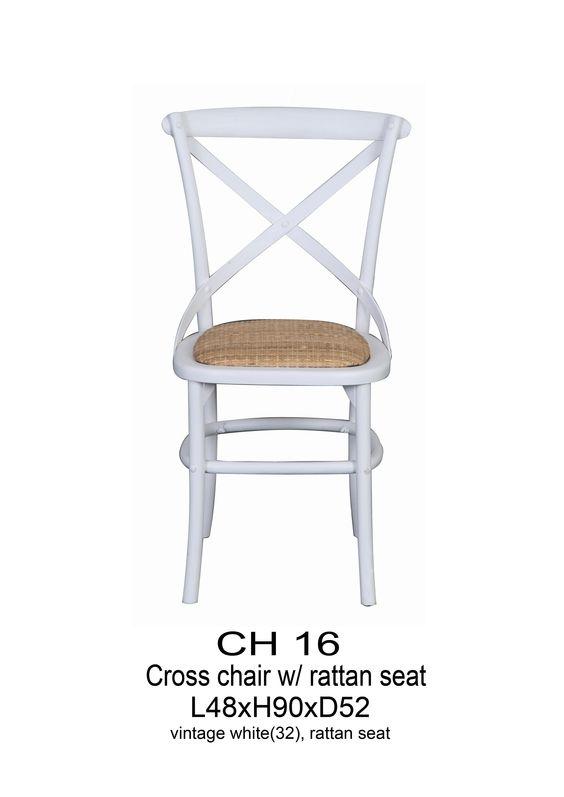 Chaise de bistrot en bois blanc decoration for Chaise bistrot bois