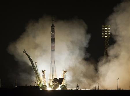 Une équipe américano-russe décolle pour un vol-éclair vers l'ISS - http://www.andlil.com/une-equipe-americano-russe-decolle-pour-un-vol-eclair-vers-liss-106263.html