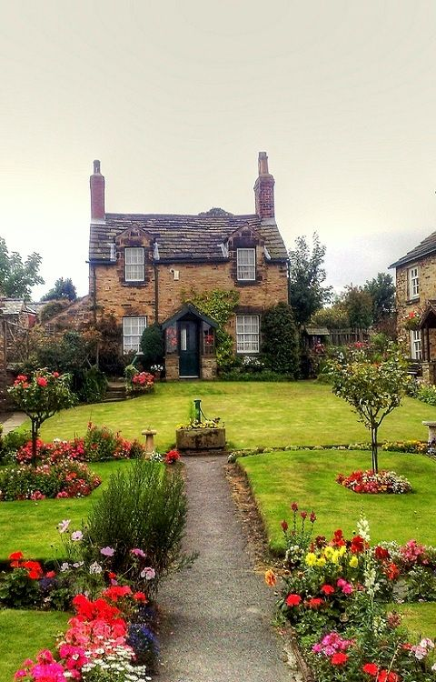 Wentworth, Yorkshire, England- I need to live here!