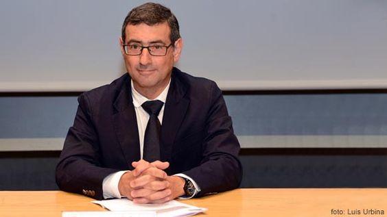 Toma de posesión de José Luján como decano de Ciencias del Trabajo http://www.um.es/actualidad/gabinete-prensa.php?accion=vernota&idnota=45541