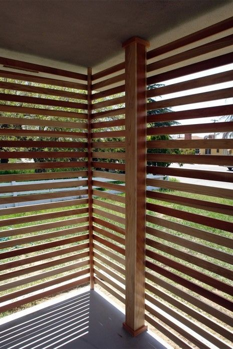 How to build a wood slat screened porch patio front for Building a screen room