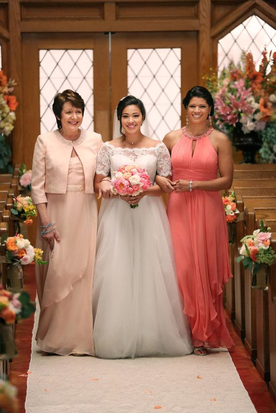 Poll: What Do You Think of Jane the Virgin's Wedding Dress?