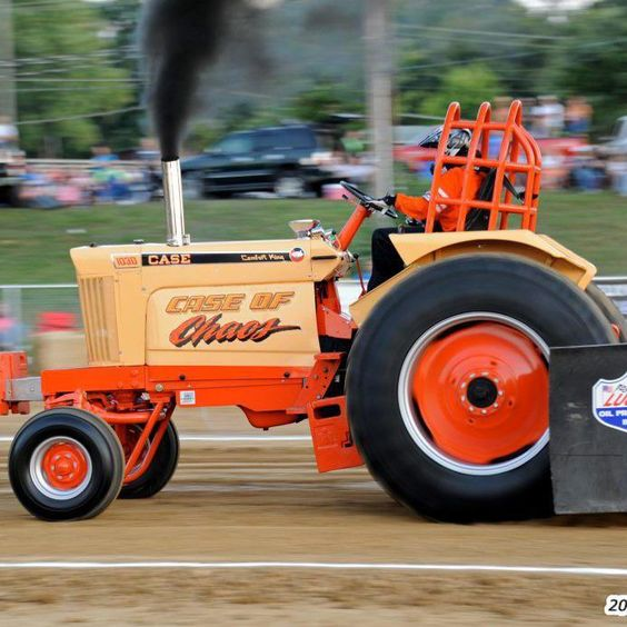 Case Pulling Tractors : Case of chaos pulling tractor iron
