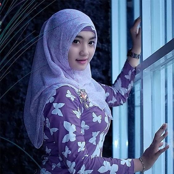 Jual Jilbab Segi Empat Polos di Kabanjahe