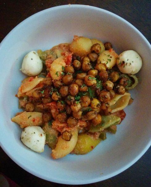 Pasta alla Vodka with Roasted Chickpeas | xtinaluvspink.wordpress.com