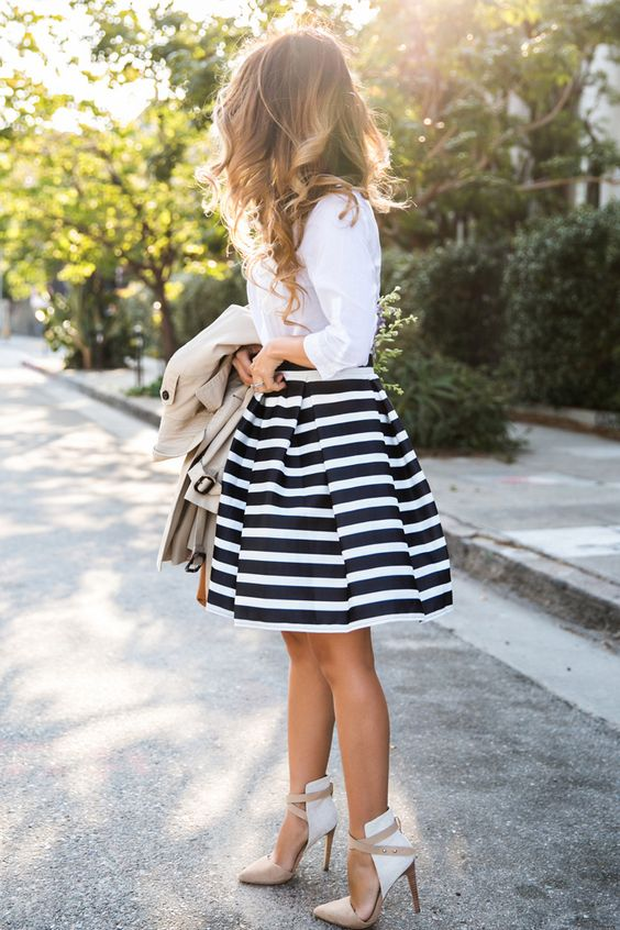 petite fashion blog, lace and locks, los angeles fashion blogger, stripe midi skirt, chicwish skirt, stripe flare skirt, trench coat for women, cute fashion for women: