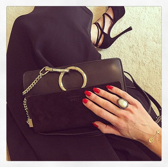 Timeless black Chloe Faye bag with Soru Jewellery baroque pearl ring ✨