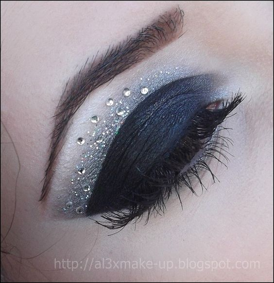 Flash... http://www.makeupbee.com/look_Flash_33200