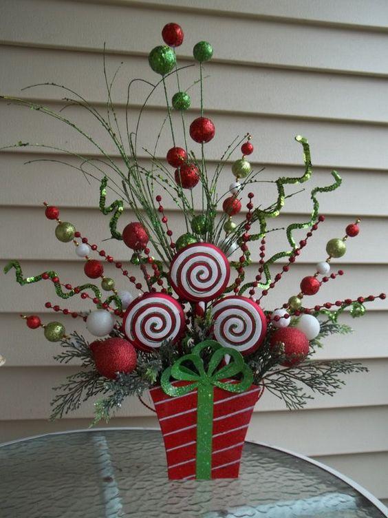 Como decorar tu casa con bastones de caramelo y dulces de - Centros de mesa navidad ...
