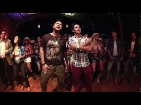 ▶ Fred e Gustavo - Quem não beija bebe (Clipe Oficial) - YouTube
