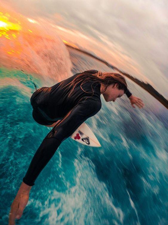 宇宙から地球を見ているようなサーフィン
