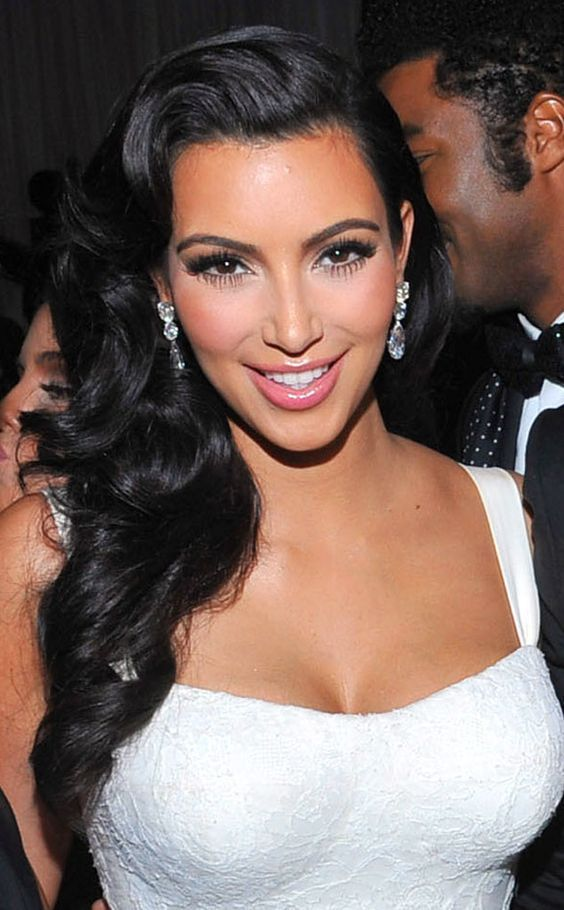 Are You Willing To Follow The Hairstyle Of A Top Level Of Celebrity As Your Wedding Hairstyle Ki Kim Kardashian Hair Kim Kardashian Wedding Kardashian Wedding