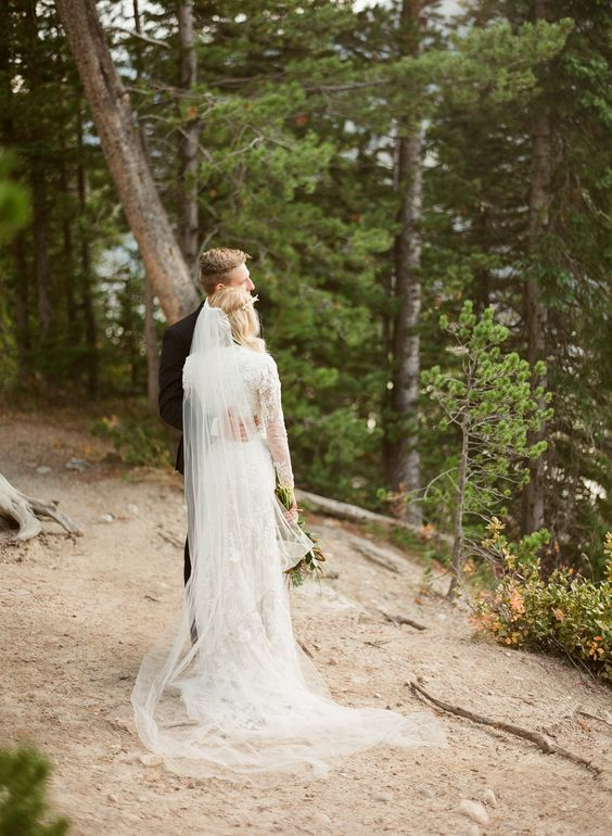 Forest Wedding Inspiration | Mountain Weddings | Idaho Wedding Photographers