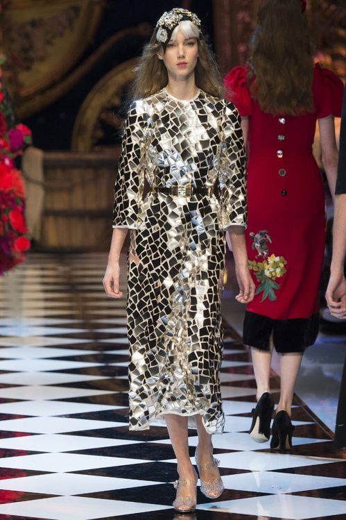 Les 5 choses retenir du d fil dolce gabbana for Miroir des modes prints