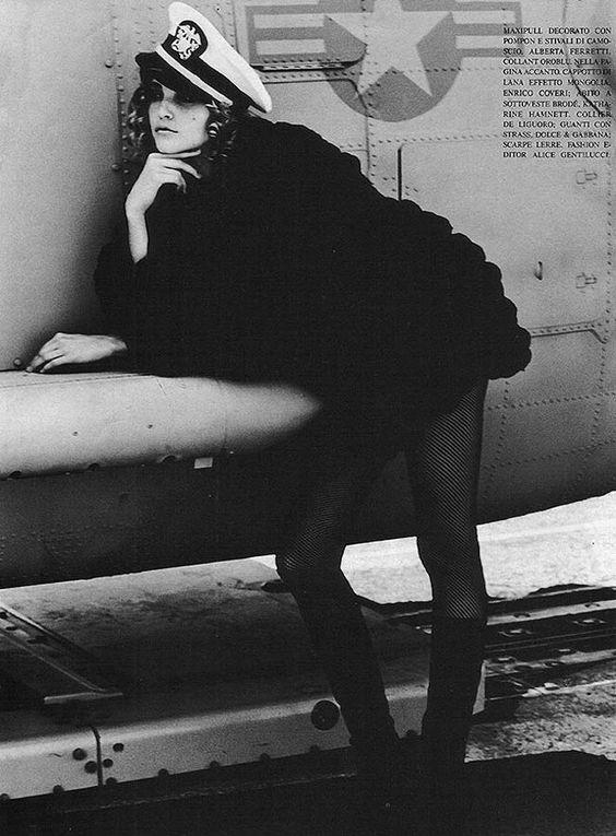 Vogue Italia November 1991 Humor e Glamour Peluche Photo Ellen Von Unwerth Editor Alice Gentiluuci Model Nadja Auermann Hair Julien d'Is Makeup Laurie Starrett